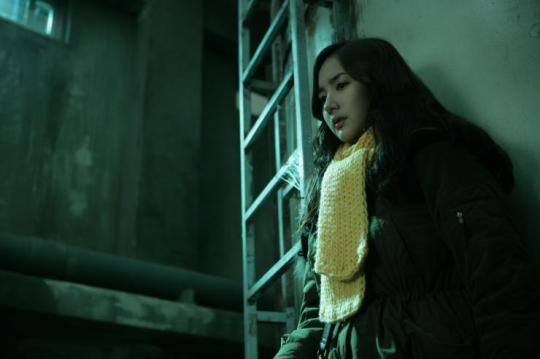 So-yeon attempts to solve the mystery