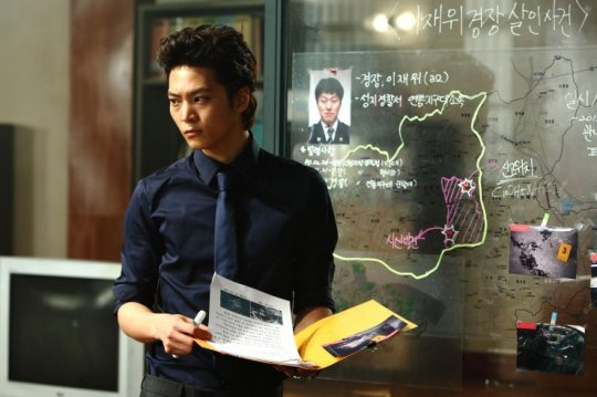 F.B.I trained Ho-ryong adds intelligence as well as incredible hair