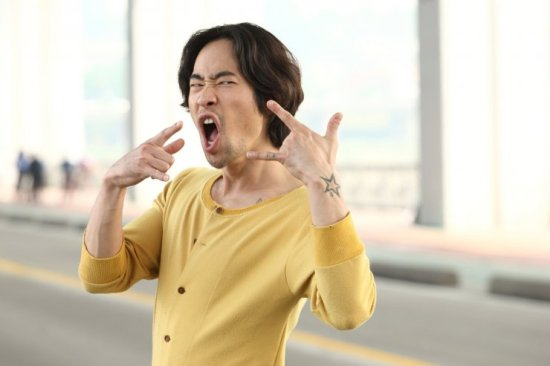Jin-oh's wacky antics continually entertain