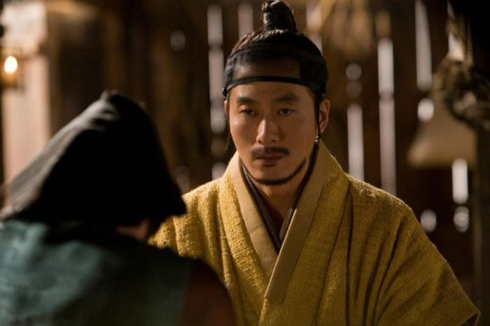 The crime lord recounts his history as a servant (Bang-ja) to a scribe