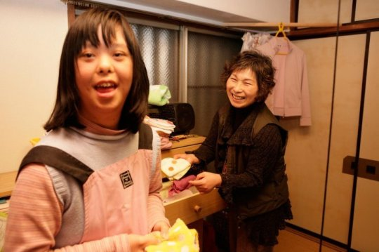 A care worker in Japan allows insight into her daily life