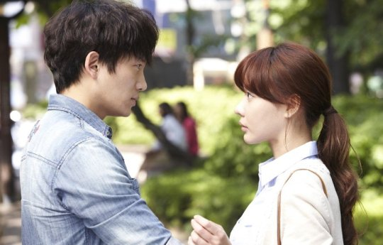 Hyeon-seung and Yoon-jeong finally decide to meet