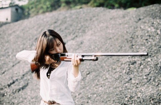 When violence enters her life, Tae-yeon takes up arms
