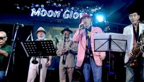 Moon Glow (문글로우)
