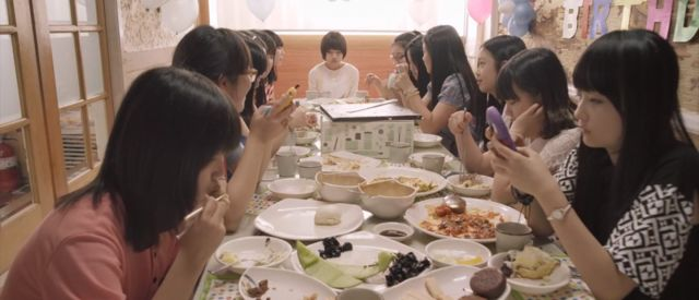 Cheon-ji is bullied by her entire class, yet keeps her suffering to herself