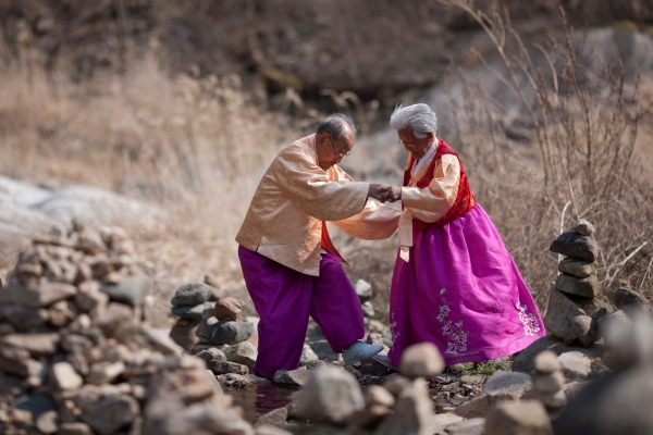 98 year old Byeong-man and 89 year old Gye-yeol are inseparable even after 76 years of marriage